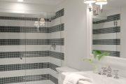 Фото 37 Белая мозаика в ванной комнате: 80+ интерьерных воплощений цветового пуризма и чистоты