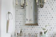 Фото 38 Белая мозаика в ванной комнате: 80+ интерьерных воплощений цветового пуризма и чистоты