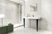Фото 41 Белая мозаика в ванной комнате: 80+ интерьерных воплощений цветового пуризма и чистоты