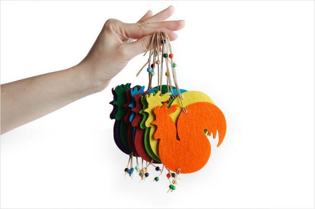 Главное ёлочное украшение в наступающем году - фигурка петушка