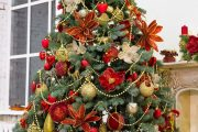 Фото 27 Как украсить елку на Новый год 2017: обзор лучших трендов праздничного декора и идеи своими руками