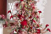 Фото 40 Как украсить елку на Новый год 2019: обзор лучших трендов праздничного декора и идеи своими руками