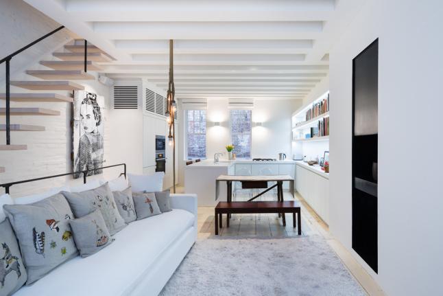 Оформление интерьера всех комнат остается традиционным