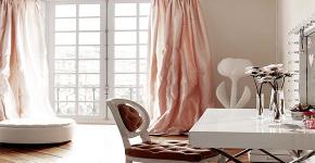 Гримерное зеркало с лампочками: 75 элегантных идей для гардеробной, спальни и ванной фото