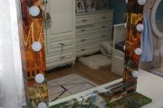 Фото 13 Гримерное зеркало с лампочками: 75 элегантных идей для гардеробной, спальни и ванной