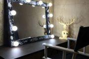 Фото 8 Гримерное зеркало с лампочками: 75 элегантных идей для гардеробной, спальни и ванной