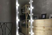 Фото 4 Гримерное зеркало с лампочками: 75 элегантных идей для гардеробной, спальни и ванной