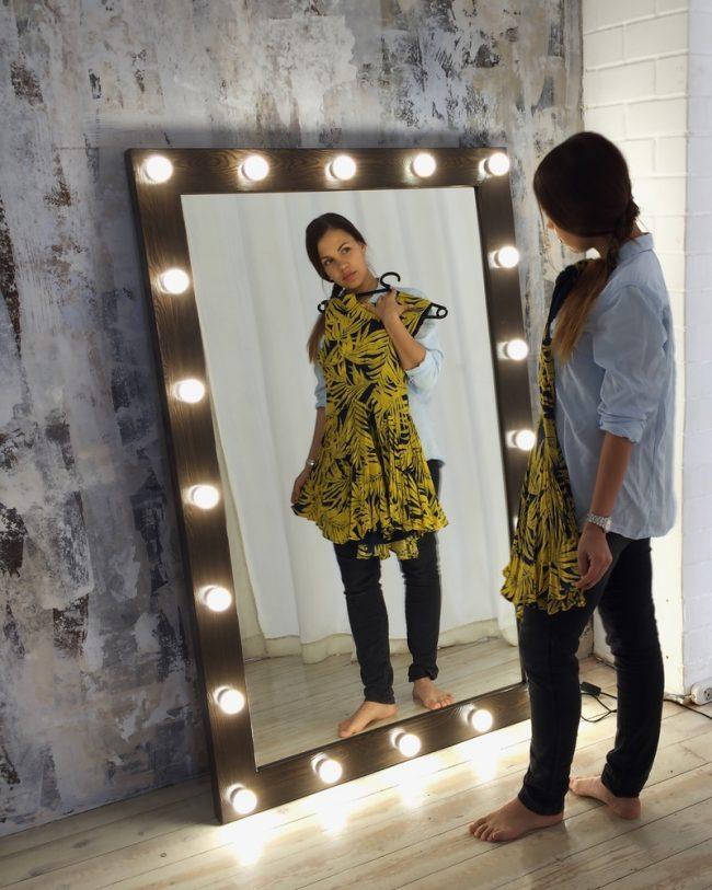 Шикарное зеркало в пол своими руками,с подсветкой в раме из природных материалов