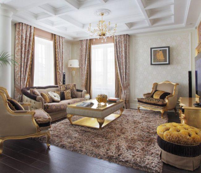 Ковер, обшивка мебели и шторы в едином стиле