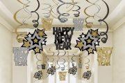 Фото 1 Как украсить кабинет к Новому году 2018: создаем стильное праздничное рабочее место