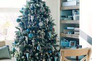 Фото 28 Как украсить кабинет к Новому году 2021: создаем стильное праздничное рабочее место