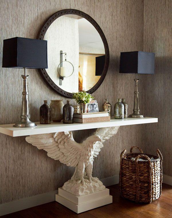 Консольный столик на одной ножке в виде орла в духе арт деко
