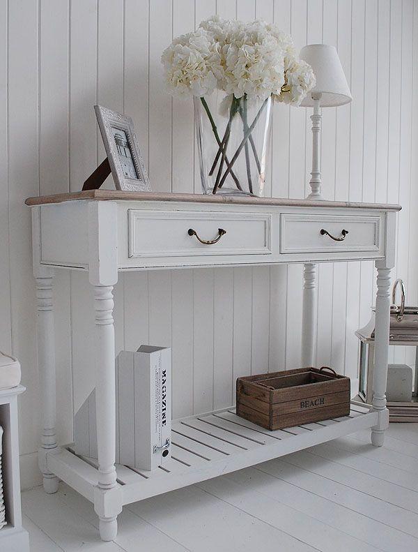 Белый консольный столик с двумя шухлядами в стиле «прованс»