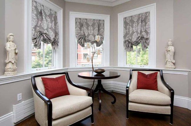 Ключевая роль в создании гармоничного интерьера принадлежит текстильному оформлению помещения, в частности портьерам