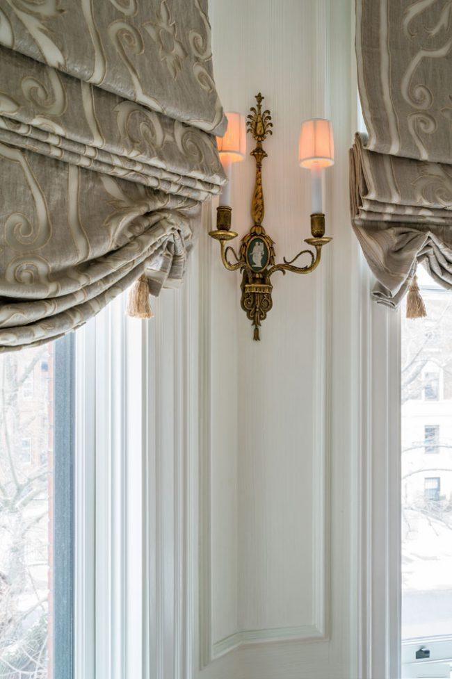 Для пошива такой шторы понадобится легкий текстиль с плотной текстурой