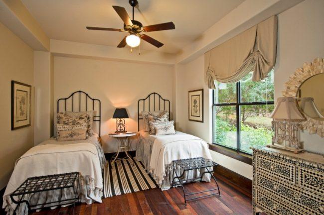 Английская штора придаст комнате романтичности и легкости