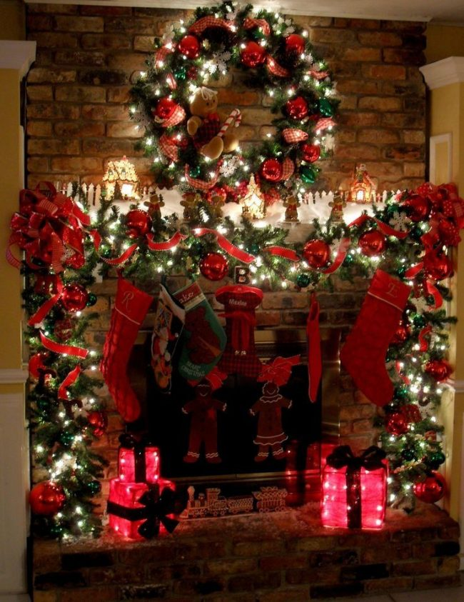 В год Петуха необходимо использовать яркие красные оттенки в декоре