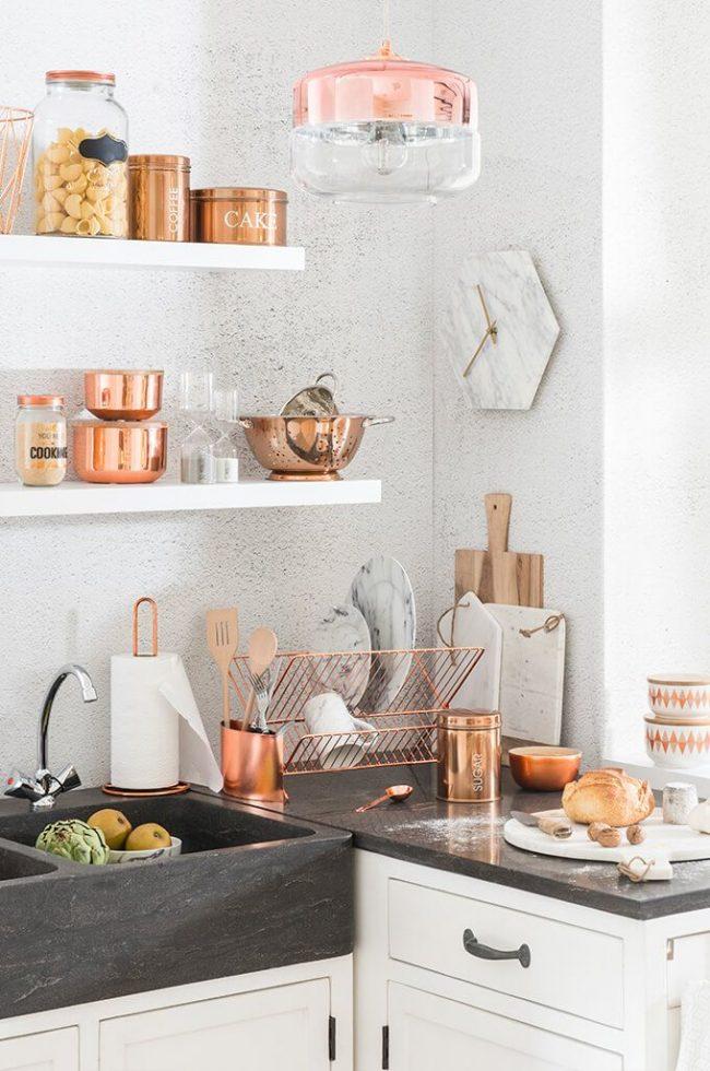 Кухонная утварь из меди создает некий шарм