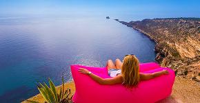 Надувной диван Lamzac: преимущества, примеры использования и тонкости ухода фото