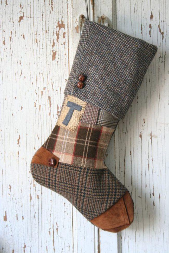 Новогодний сапожок из драпа и других материалов по технике пэчворк