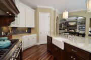 Фото 42 Перенос кухни в коридор: обзор дизайнерских вариантов перепланировки дома