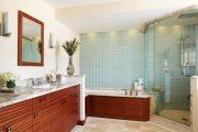 Фото 6 Стеклянная плитка для кухни и ванной: как придать интерьеру легкости и невесомости