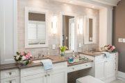 Фото 15 Стеклянная плитка для кухни и ванной: как придать интерьеру легкости и невесомости