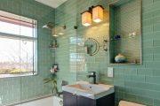 Фото 27 Стеклянная плитка для кухни и ванной: как придать интерьеру легкости и невесомости
