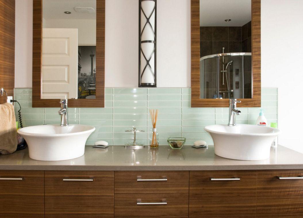 Bathroom sink tile backsplash