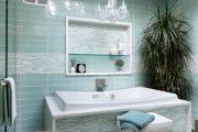 Фото 54 Стеклянная плитка для кухни и ванной: как придать интерьеру легкости и невесомости