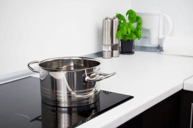 Посуду из нержавеющей стали можно приобрести по доступным ценам