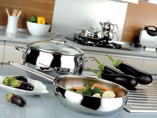 В посуде с ферромагнитным дном можно готовить на любой варочной поверхности