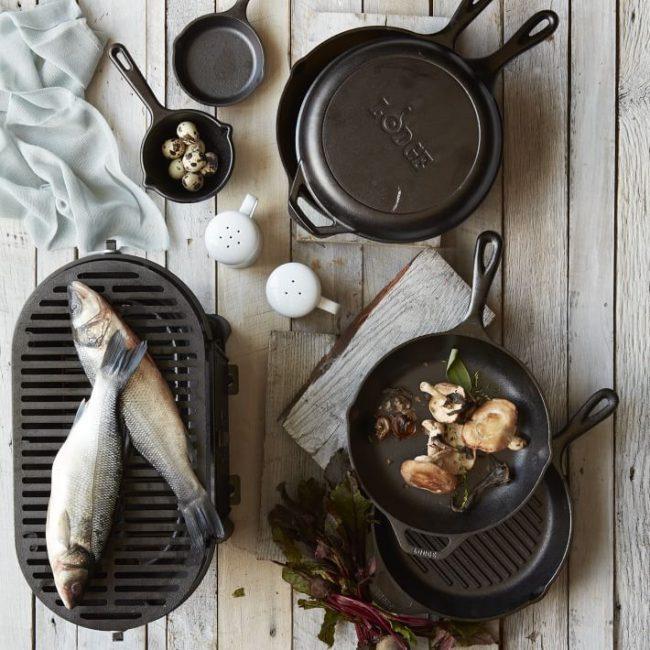 Любая посуда из чугуна подходит для индукционных плит