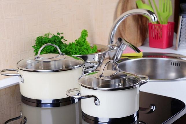 Индукционная варочная панель вынуждает пользоваться только определенной посудой