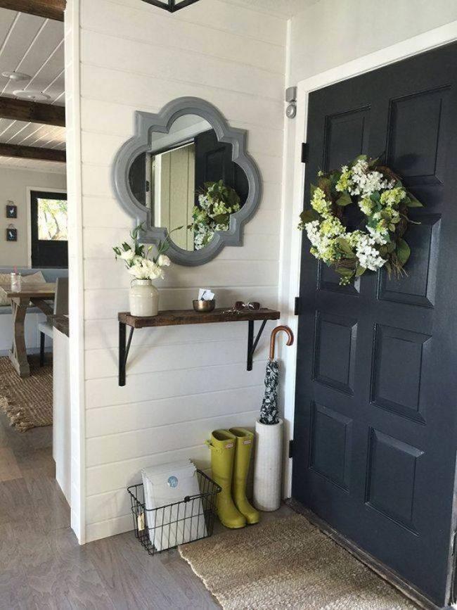 Сезонные венки из натуральных цветов помогут подчеркнуть очарование дома и времени года