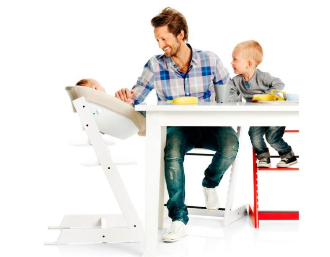 Растущий стул подходит даже для использования младенцами