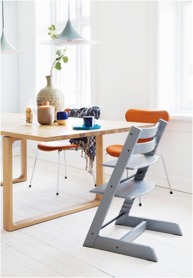 Длительный срок службы стула-вырастайки - главное преимущество