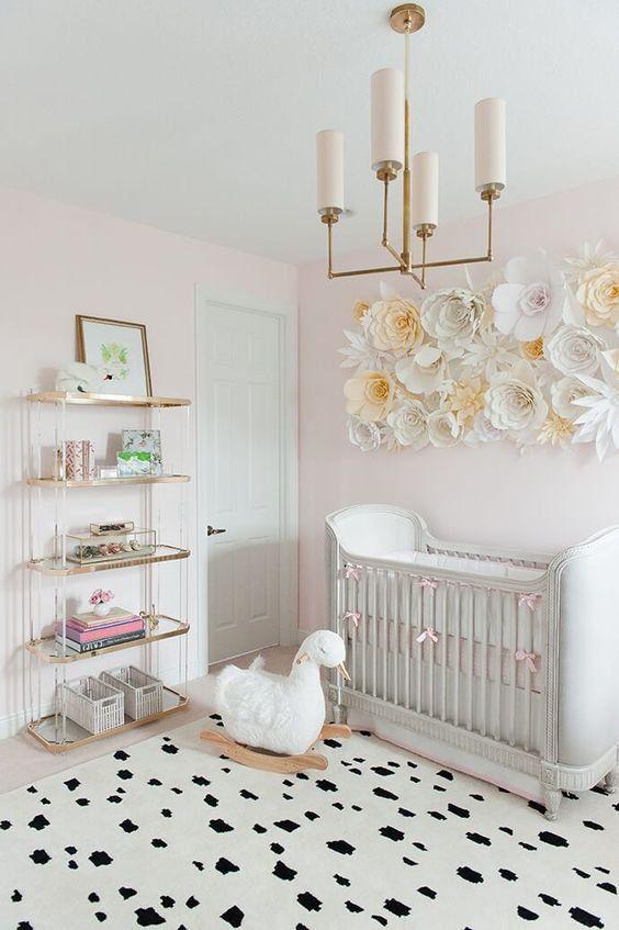 Стеллажи для хранения игрушек отлично подойдут для комнаты младенца