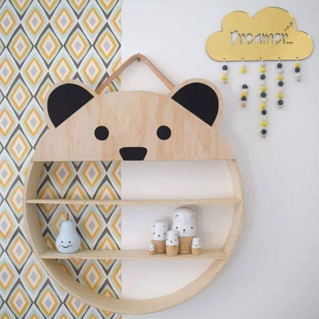 Интересный вариант навесной полки в виде панды