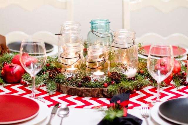 Яркая скатерть дополнит новогодний образ праздничного стола
