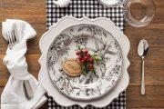 Фото 34 Идеи и советы от мастеров сервировки: как гармонично украсить стол на Новый год 2019