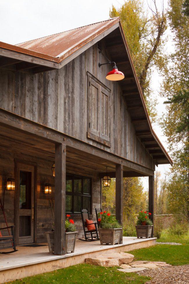 Теплый водяной пол поможет сэкономить на отоплении большого загородного дома в зимнее время
