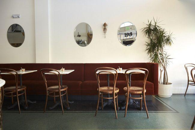 Традиционная кофейня с акцентом на ретро стиль