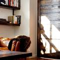 Двери в стиле лофт: эстетика индастриала и нечто большее, чем просто вход фото