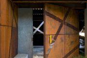 Фото 24 Двери в стиле лофт: эстетика индастриала и нечто большее, чем просто вход