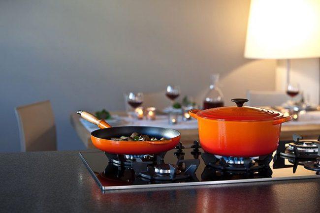 Чтобы не приходилось чистить кастрюли от гари, контролируйте процесс готовки