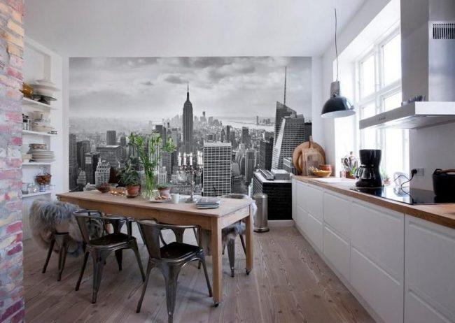 Фотообои города на кухне в стиле лофт
