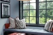 Фото 24 Подоконник-диван: 80 комфортных идей, которые способны преобразить любой интерьер