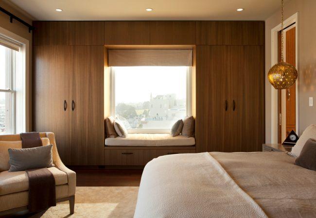 Красивая спальная комната в стиле модерн
