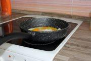 Фото 29 Сковорода с каменным покрытием: преимущества, критерии выбора и советы по уходу
